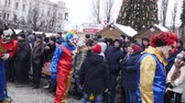 ukrajna : CHERNIVTSI, UKRAINE - JAN 15, 2018: Malanka Festival in Chernivtsi. Folk festivities on the streets dressed people in comical costumes Stock mozgókép