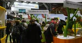 przetwory : PARIS, FRANCE - FEB 2016: Bonduelle stand with games at the Agricultural Show - Salon International de Agriculture. Bonduelle is a conglomerate with produce diverse fruits and vegetables products Wideo