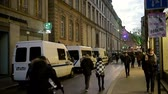 ограничение : STRASBOURG, FRANCE - DEC 9, 2016: Police vans check-point verifying all pedestrian before entering city center after extreme secure measures have been taken to prevent any terrorist attacks