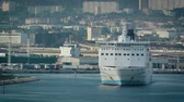portador : Marseille, France - Circa 2017: Girolata, large ferry ship owned by La Meridionale exits Marseille exits Marseille-Fos Port Destination Corsica island. Large ferry transporting people, cars, trucks Stock Footage