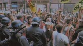 протест : STRASBOURG, FRANCE - JUN 20, 2018: Vintage VHS effect SNCF French train workers demonstration strike protest against Macron French government string of reforms Стоковые видеозаписи