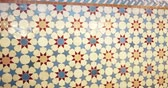 arabesco : Pan over beautifully crafted arranged pattern of tiles inside the Strasbourg Great Mosque or Grande Mosquee de Strasbourg Vídeos