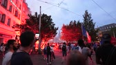 oslava : STRASBOURG, FRANCE - JULY 15, 2018: Following people - Happiness and jubilation of supporters after the victory of the French team in the final of the World Cup football in Russia against Croatia Dostupné videozáznamy
