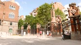фехтование : Tourists at Hospital de Sant Pau, Barcelona