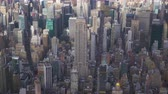 szomszédság : Midtown Cityscape of Manhattan in New York City in Summer Day. United States. Aerial View. Medium Shot