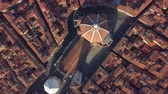 Флоренция : Aerial view. top view of the cathedral Florence, tuscany, Italy. Flying over the Florence roofs.