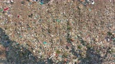 escavadeira : The huge garbage dump, the ecological disaster of our planet.