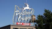 официальный : Portland Oregon White Stag sign at Burnside Bridge, Old Town, release required from City of Portland for commercial use