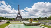 eiffla : PARIS, FRANCE - JUNE 05, 2017: Eiffel Tower timelapse video from Trocadero Place. Wideo