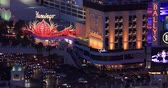 ставить : LAS VEGAS, NEVADA - JANUARY 02, 2018: Las Vegas strip night view from hotels balcony Стоковые видеозаписи