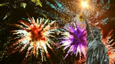 quarto : Statue of Liberty and colorful fireworks