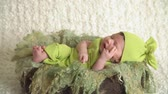 půvab : Cute newborn baby girl sleeping