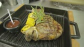 koku : steak grilled with corn Stok Video