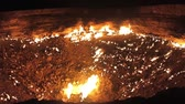 fogueira : Darvaza Gas Crater Pit Breathtaking Close Up Flames View