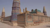 民間伝承 : Sukkur Sateen Jo Aastan Tomb of Seven Sisters Resting Low Angle Side View on a Sunny Blue Sky Day 動画素材
