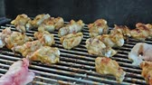 смаковать : Delicious chicken meat  prepared on grill