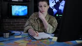 controlador : portrait woman soldier with mobile phone, military staff, attack and security, control center, war base, IT war, working process, cyber safety, technical control, tracking system, strategy warfare, Vídeos