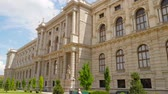 colunata : Vienna, Austria 20 May 2018: Naturhistorisches Museum, architectural building of Europe in Vienna, 20 May 2018 Vídeos