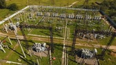 transformatör : Aerial view Power plant, transformation station, cables and wires. High voltage electric power substation. Electrical power transformer in high voltage substation, 4K, aerial footage.