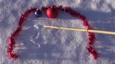 escrita : 2016 new year written on winter snow and Christmas toys Vídeos