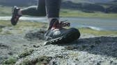 koşu : close up of shoes during a trail run