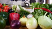 sarımsak : Healthy vegetables on kitchen table close up