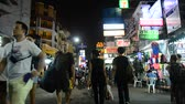 khaosan : People travel and walking Khaosan Road or Khao San Road in Bangkok, Thailand. Stock Footage