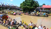 Аюттхая : Traditional parade procession lent candle festival for Asalha Puja and Buddhist Lent Day in waterway by boat at Wat Lat Chado in Aytthaya, Thailand Стоковые видеозаписи