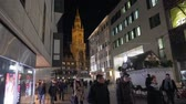 başpiskopos : MUNICH, GERMANY - NOV 20 2018: New Town Hall on Marienplatz in Munich city. Night time. 4k footage.