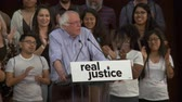 saúde : Bernie Sanders Smiles. Bernie Sanders speechless as the crowd cheers. June 2nd, 2018 at the Rally for Justice in downtown Los Angeles, California.