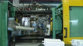 automatyka : Automated production of plastic parts in a large factory Wideo