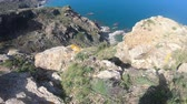 на линии : rocky coast and mediterranean sea in eastern Pyrenees, Roussillon in southern of France Стоковые видеозаписи