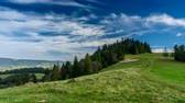 ovelha : Timelapse clouds over Pieniny mountains.