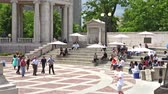 estados unidos : Denver, Colorado, USA-June 11, 2015.  Gathering of gourmet food trucks and carts in Downtown Denver Civic Center Park. Stock Footage