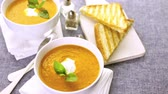 fokhagyma : Roasted tomato soup cooked with organic heirloom tomatoes and served with grilled cheese sandwich.