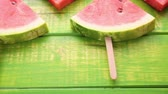 caloria : Yummy watermelon slice pop ice for refreshing treat. Vídeos
