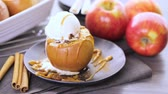 crescido : Organic baked apples served with vanilla ice cream.