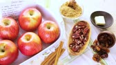 crescido : Ready to be baked organic apples with pecans and raisins. Stock Footage