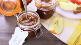 efeito : Homemade apple butter prepared from organic apples.