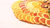 toranja : Variety of citrus fruit including lemons, lines, grapefruits and oranges.