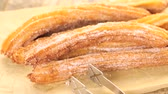 mexicain : Bouquet de churros recouvertes de sucre granulé.