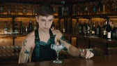 sacudidor : The Bartender Makes a Cocktail Stock Footage