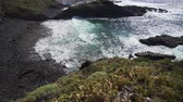çatılar : Beautiful picturesque bay of Tenerife. Turquoise ocean waves on a sunny summer day