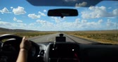 Car Driving on Open Road, American Highway, Road Trip - POV (point of view) Vídeos