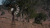 campo : Rustic windmill in the countryside of Queensland, Australia. Stock Footage
