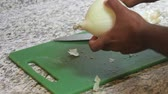 non stick : Cutting an onion