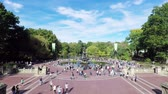 терраса : A timelapse recording of the view from Bethesda Terrace towards Bethesda Fountain in Central Park, New York City Стоковые видеозаписи