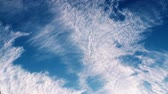 meteorologia : light clouds on a blue sky ( ex1r, timelapse)