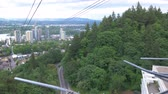 Wide Portland AirTram arriveert Stockvideo