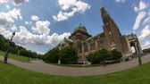 bruxelas : Beautiful fisheye time lapse of large church and clouds.